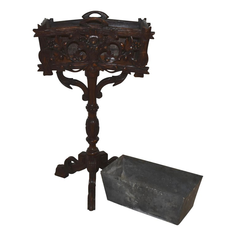Swiss Black Forest Carved Wooden Planter Box/Jardinière, circa 1880 For Sale 4