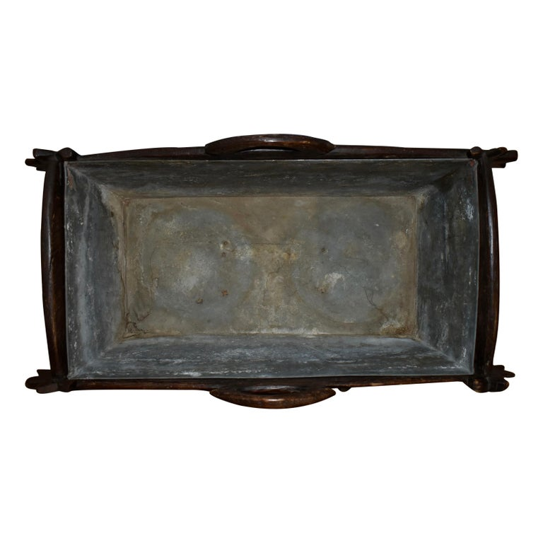 Swiss Black Forest Carved Wooden Planter Box/Jardinière, circa 1880 For Sale 5