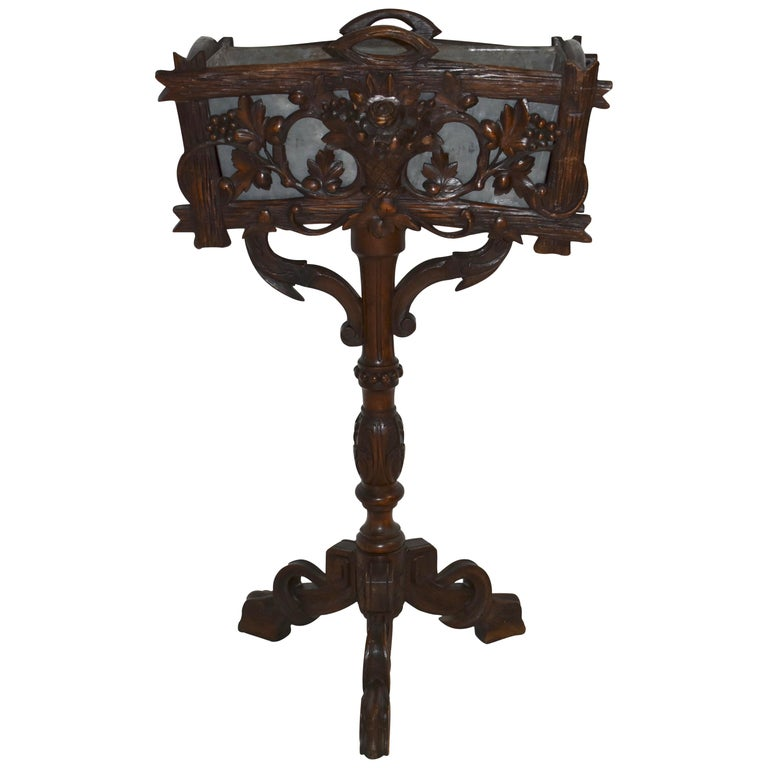 Swiss Black Forest Carved Wooden Planter Box/Jardinière, circa 1880 For Sale