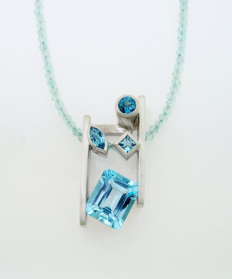 Contemporary Swiss Blue London Blue Sky Blue Topaz and Apatite Necklace Fine Estate Jewelry For Sale