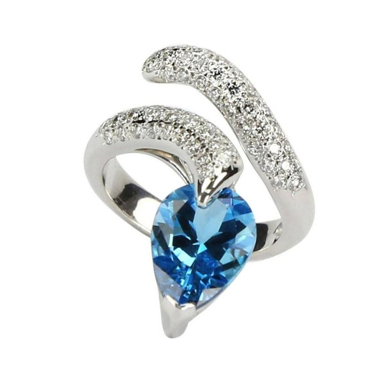 Mixed Cut Swiss Blue Topaz and Diamond Gold Snake Serpent Ring Estate Fine Jewelry For Sale