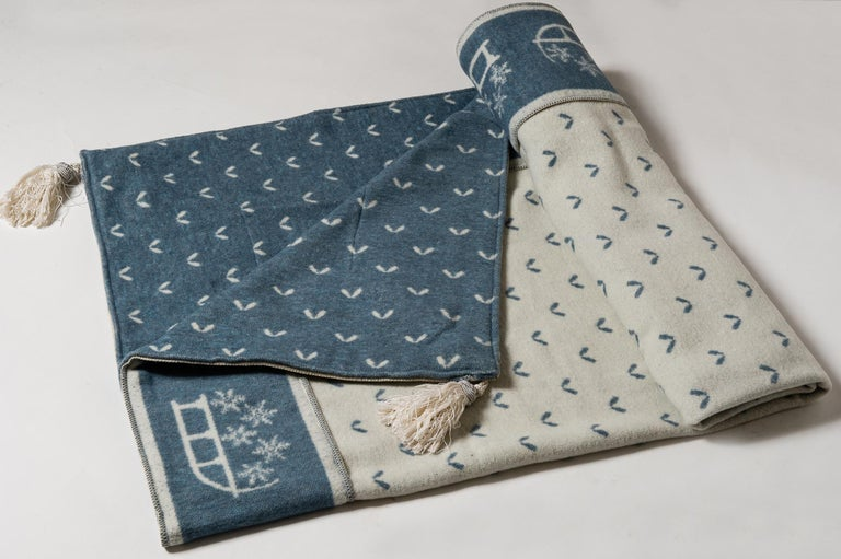 Swiss Plaid with Mountain Motifs In Excellent Condition For Sale In Alessandria, Piemonte