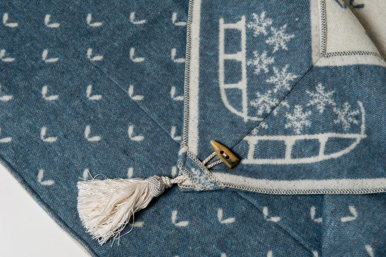 Typical Swiss wool plaid by Altalena : light blue and white, border with sleds, trimmings in corners and Horn buttons - A beautiful and warm item for Your relax - B/2232 -.