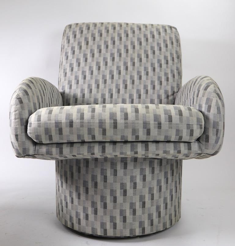 Swivel Chair and Ottoman after Milo Baughman by Classic Gallery Inc. For Sale 4