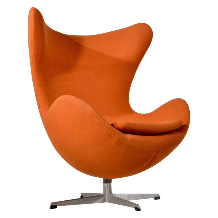 Amazing Swivel Egg Chair By Arne Jacobsen Andrewgaddart Wooden Chair Designs For Living Room Andrewgaddartcom