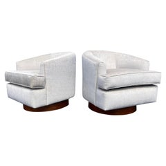 Swivel Lounge Chairs in the Style of Milo Baughman, Rosewood