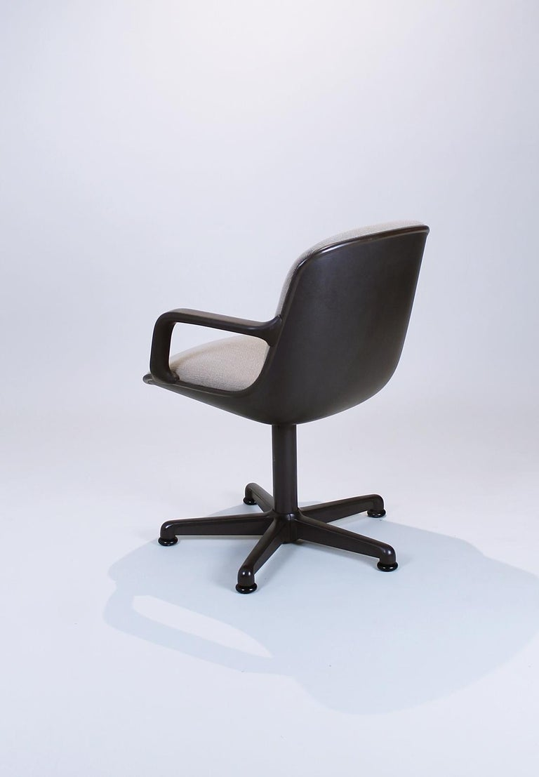 Swivel Office Chair by Charles Pollock for Comforto, 1980s In Good Condition In Debrecen-Pallag, HU