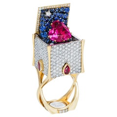 Sybarite Jewellery Heart Cocktail Ring 18 Karat Yellow Gold 7.23 Carat Rubies
