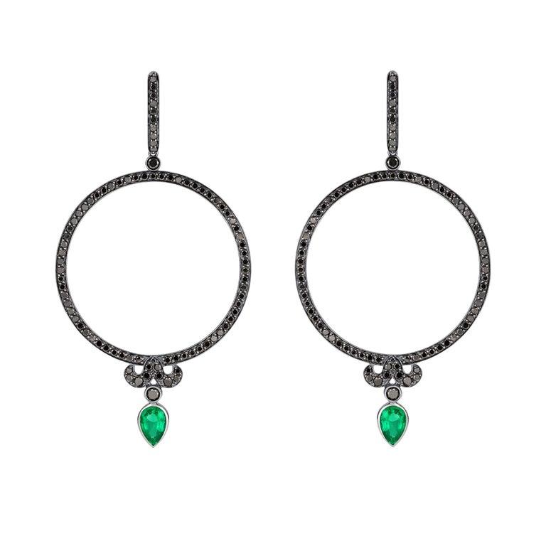 Round Cut Sybarite Jewellery Plie Earrings 18 Karat 3.32 Carat Diamonds 1.12 Emeralds For Sale