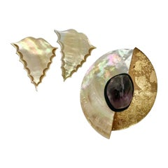 Sylvia Gottwald, Brooch white/gold Mother of Pearl ,Amethist with large  Earring