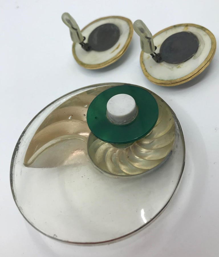 Women's or Men's Sylvia Gottwald, Nautilus Brooch and Earrings. For Sale