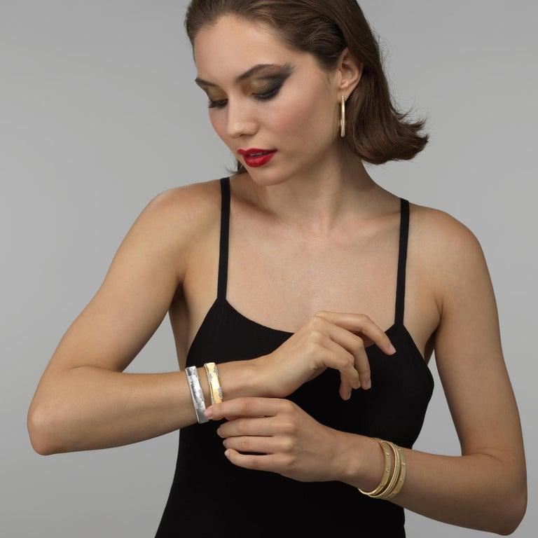 Women's 18K Yellow Gold Diamond Bracelet For Sale