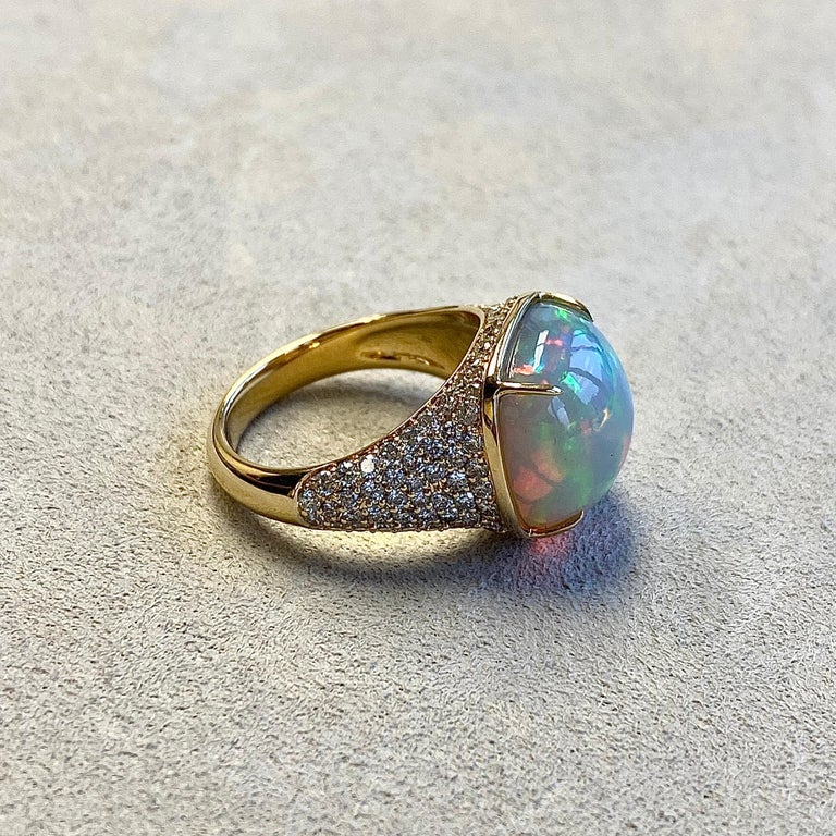Round Cut Syna Ethiopian Opal Yellow Gold Ring with Champagne Diamonds For Sale