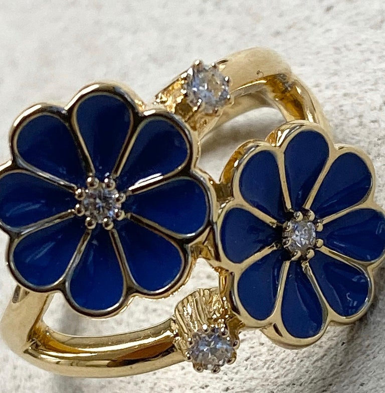 Contemporary Syna Yellow Gold Blue Enamel Ring with Champagne Diamonds For Sale