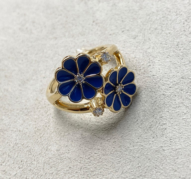 Round Cut Syna Yellow Gold Blue Enamel Ring with Champagne Diamonds For Sale