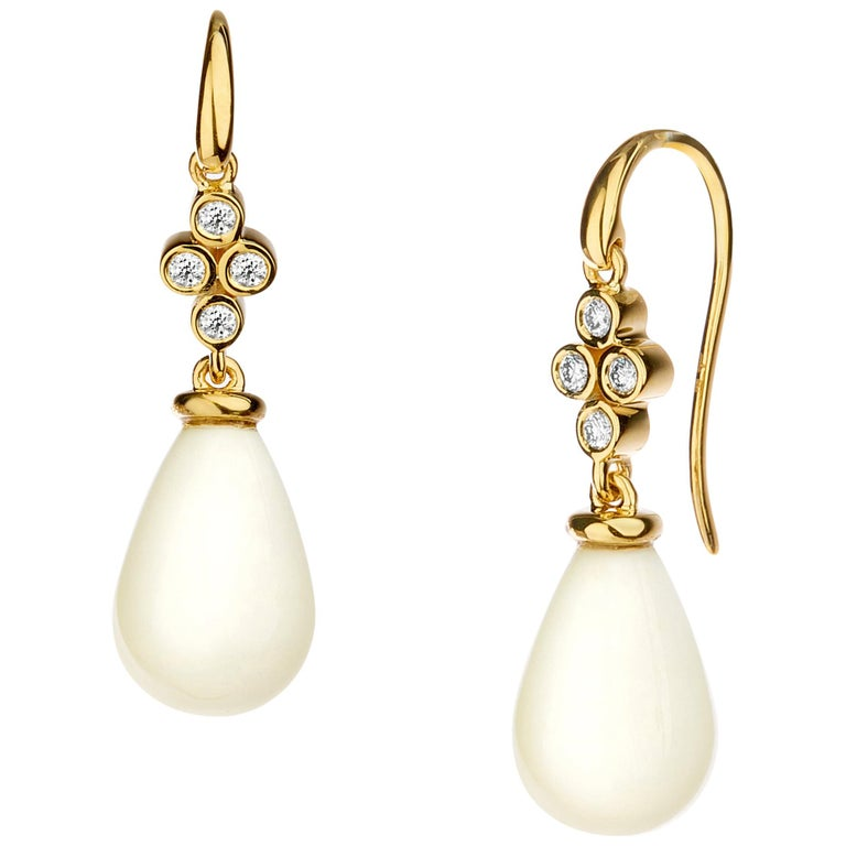 Syna Yellow Gold White Agate Drop Earrings with Champagne Diamonds For Sale