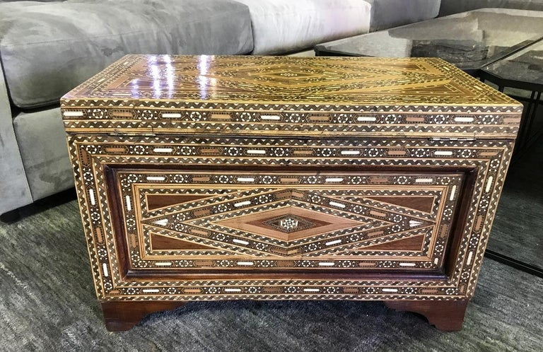 Syrian Moorish Mother of Pearl Inlaid Mosaic Trunk Box For Sale 4
