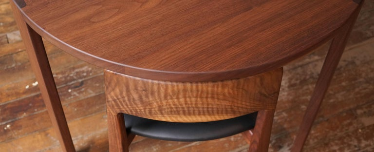 T08 Round Dining Table, Handcrafted in Solid Walnut In New Condition For Sale In Chicago, IL
