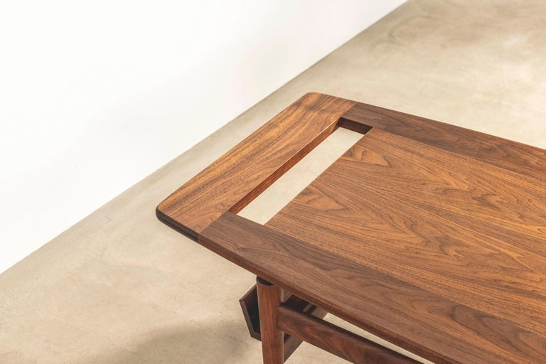 T390 Low Table with Magazine Rack in Walnut by Jens Risom For Sale 2