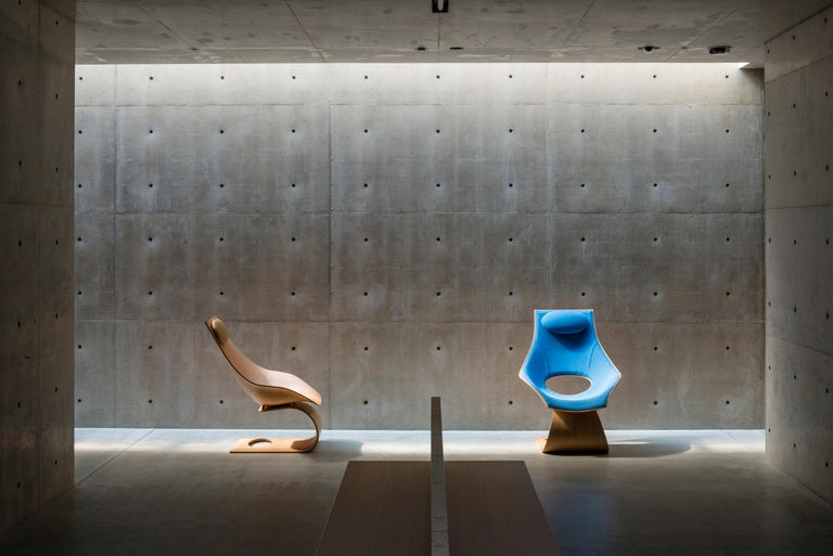 TA001P Dream Chair with Cushion in Walnut Oil by Tadao Ando In New Condition For Sale In New York, NY