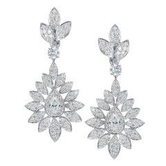 Tabbah 18 Karat White Gold Pear-Shaped Diamond Drop Earrings