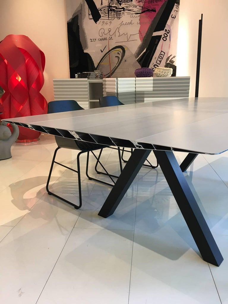 Konstantin Grcic opens the Extrusions collection which he has designed for BD Barcelona design with this table, baptised as Table B. Its name is as simple and technical as the design itself. Grcic has been inspired by classic BD pieces, such as the
