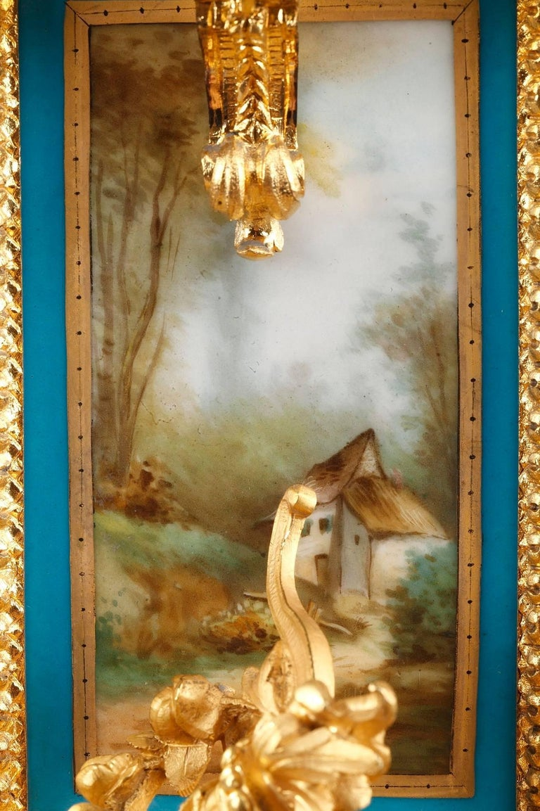 Table Clock in Ormolu and Porcelain with Galant Scenes For Sale 10