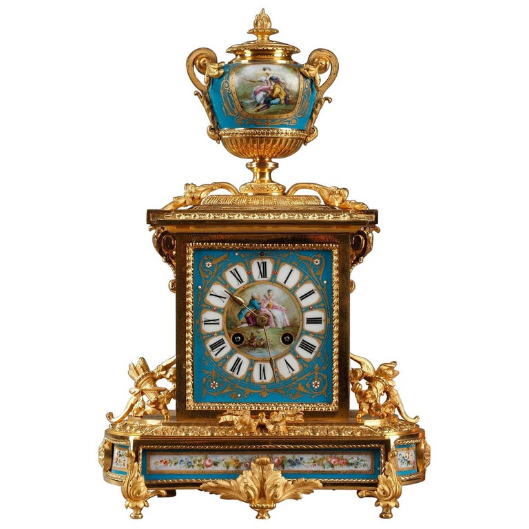 Table Clock in Ormolu and Porcelain with Galant Scenes For Sale