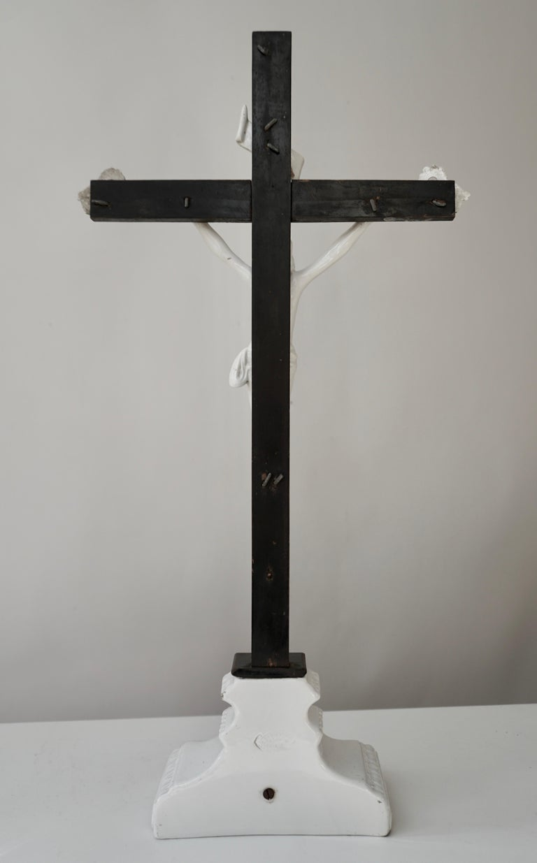 Table Crucifix with Porcelain Corpus of Christ For Sale 6