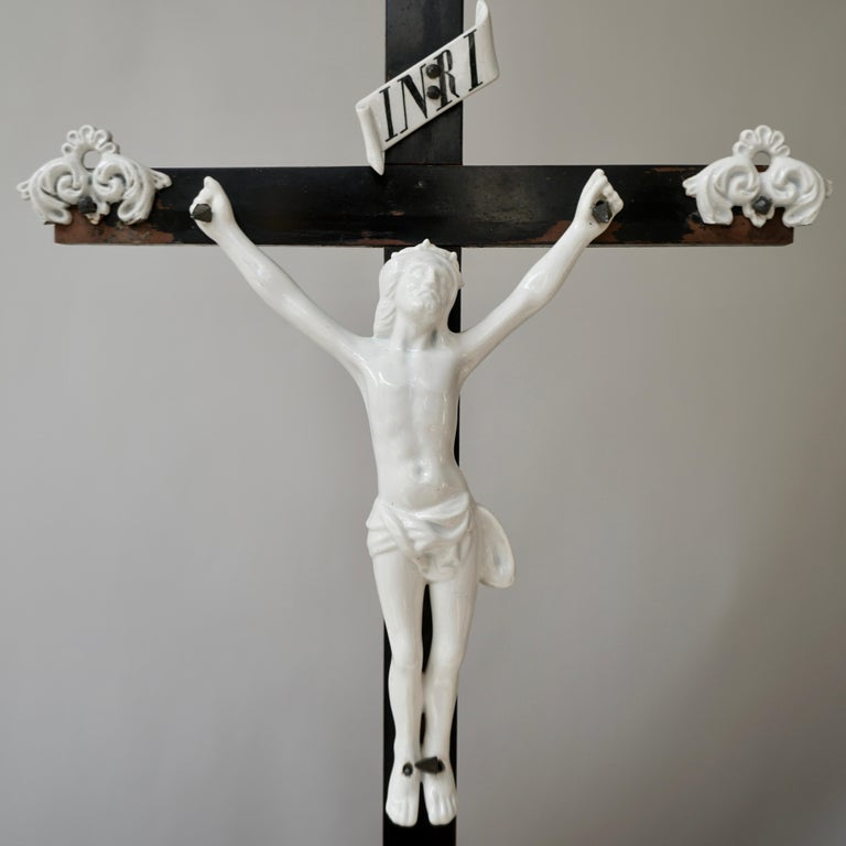 Table Crucifix with Porcelain Corpus of Christ For Sale 2