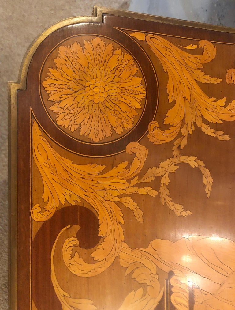 Table De Salon, attributed to Francois Linke Centre Table Louis XV Style In Good Condition For Sale In Stamford, CT