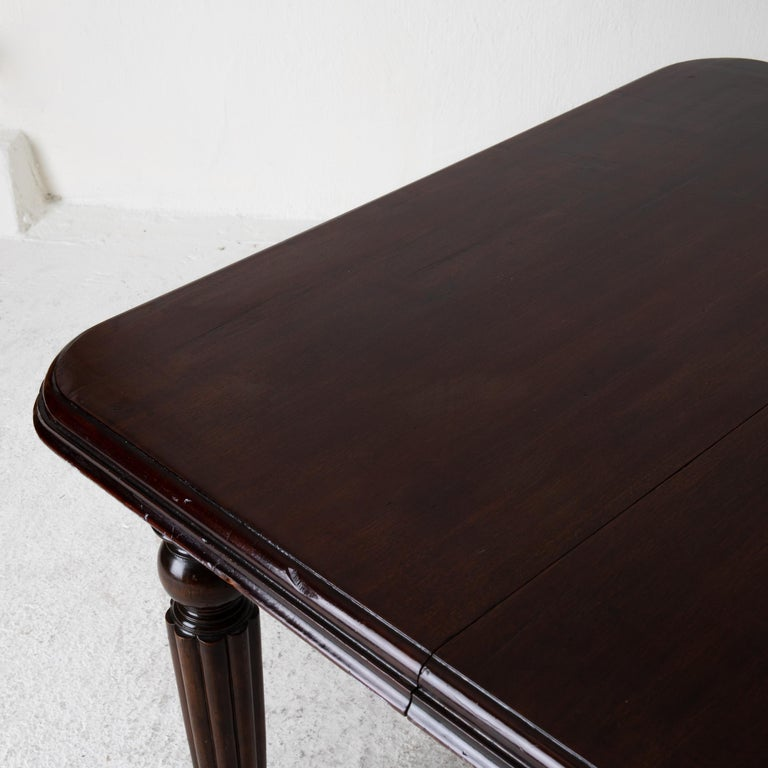 Table Dining Table English Dark Brown Mahogany, 19th Century, England For Sale 6