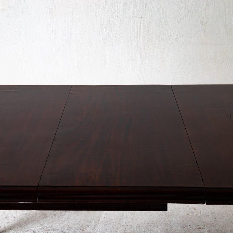 Table Dining Table English Dark Brown Mahogany, 19th Century, England For Sale 8