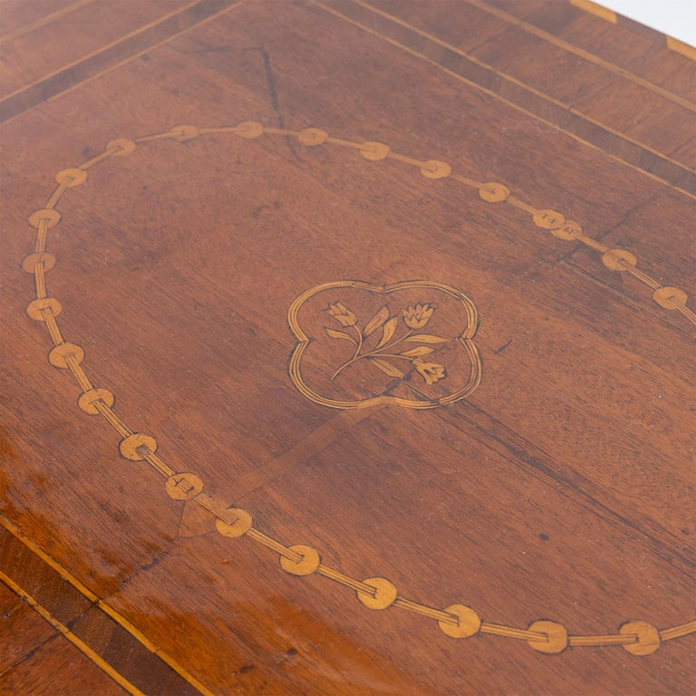 Table, France, circa 1800 In Good Condition For Sale In Greding, DE