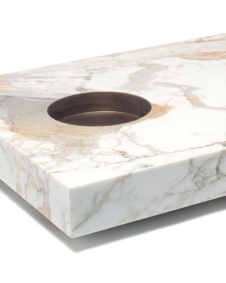 Italian Table in Calacatta Gold Marble and Brass by Stefano Belingardi Clusoni, Italy For Sale