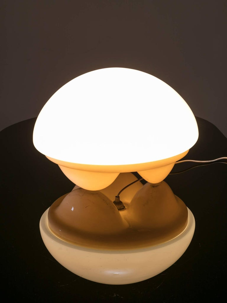 Rare Isotta table lamp manufactured by Sormani. Opaline glass shade and plastic base.