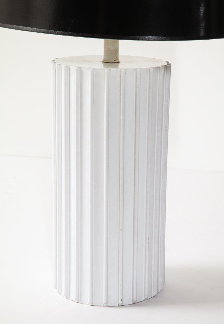 Table Lamp, Ceramic, White, Midcentury, circa 1960, Vintage In Good Condition For Sale In New York, NY