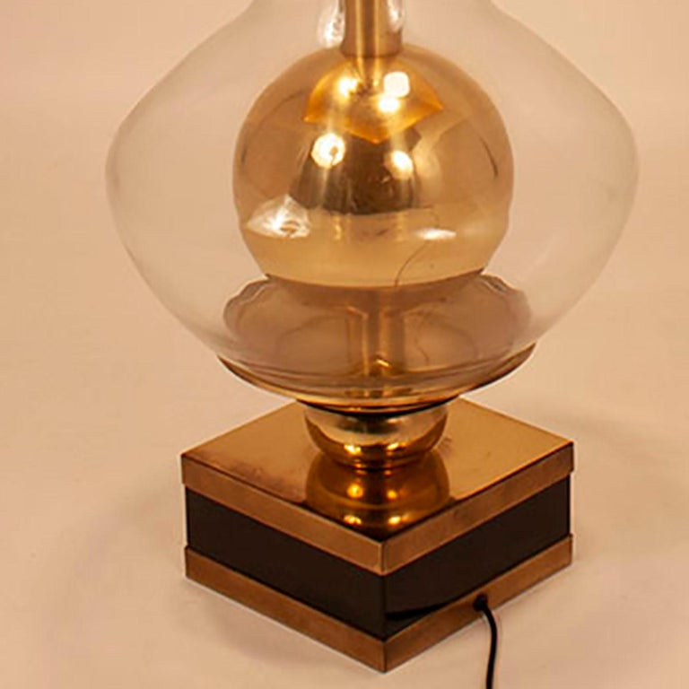 Lumica Midcentury Golden Brass and Glass Table Lamp with Black Shade, 1970s For Sale 1