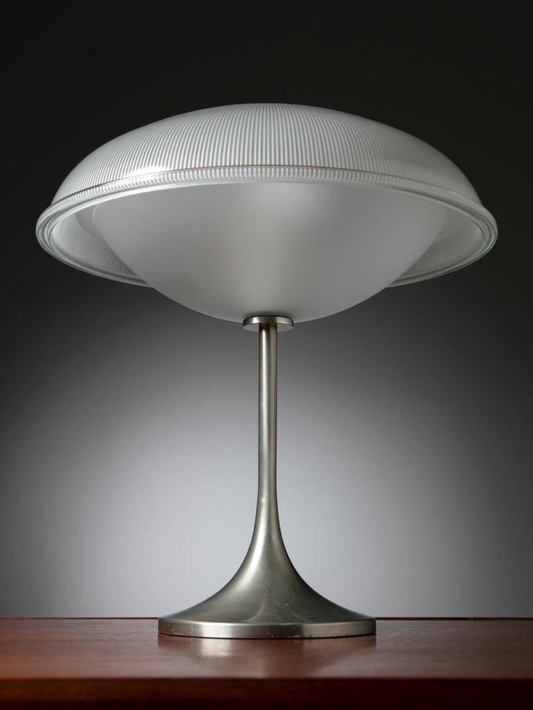 Italian Table Lamp in the Style of Vittorio Gregotti for Arredoluce For Sale