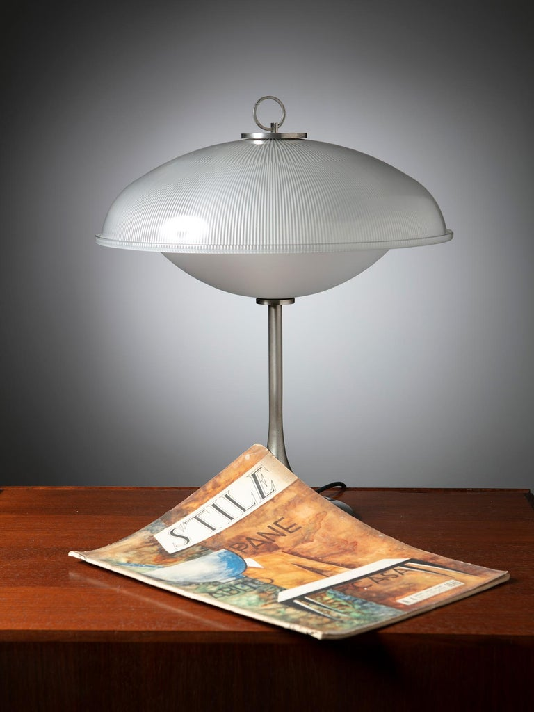 Metal Table Lamp in the Style of Vittorio Gregotti for Arredoluce For Sale