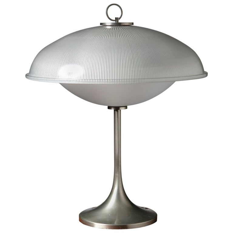 Table Lamp in the Style of Vittorio Gregotti for Arredoluce For Sale