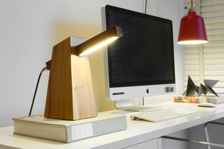Table Lamp in Wood, Brazilian Contemporary Design by O Formigueiro For Sale 3