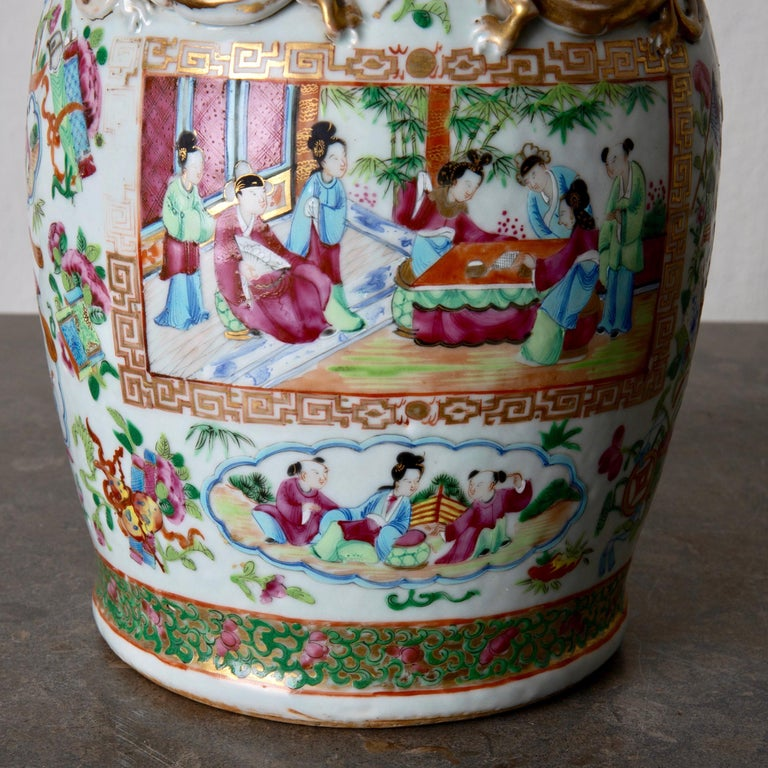 Table Lamp Oriental Colors 19th Century, China In Good Condition For Sale In New York, NY