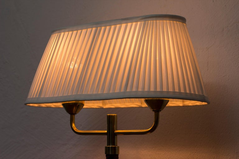 Table Lamp Produced by Karlskrona Lampfabrik in Sweden, 1940s-1950s For Sale 3