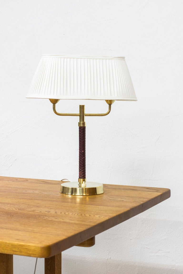 Scandinavian Modern Table Lamp Produced by Karlskrona Lampfabrik in Sweden, 1940s-1950s For Sale