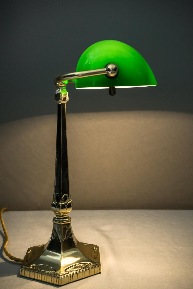 Table Lamp with Green Glass in the Style of Jugendstil In New Condition For Sale In Wien, AT