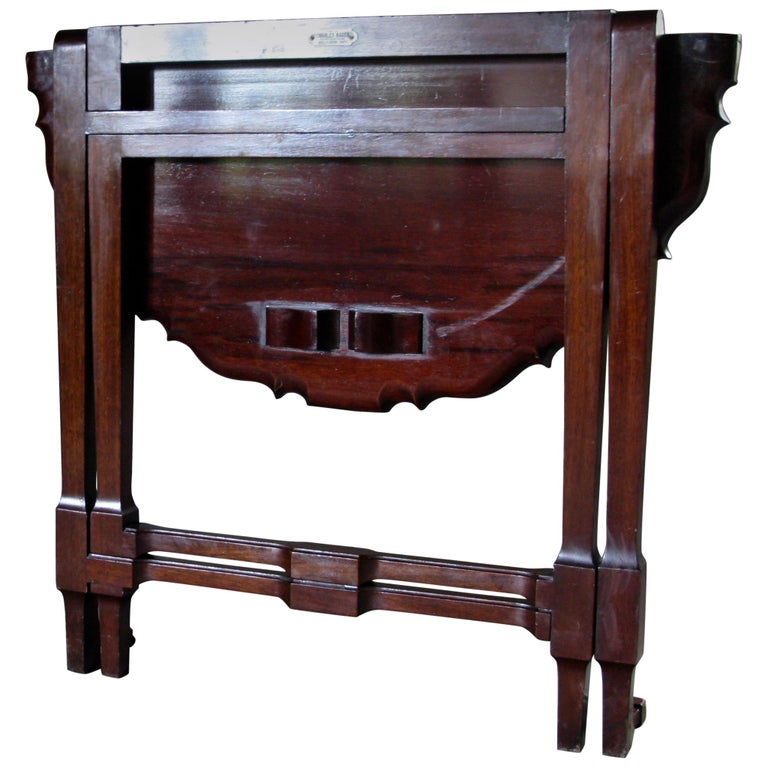 Beautiful signed, Charles baker, Bath, mahogany side table, drop-leaf table  A quality piece of Cuban mahogany  Charles Baker (1841-1932) h1 Charles Baker (1841-1932) was a Bath cabinetmaker and part of an important family of cabinet makers