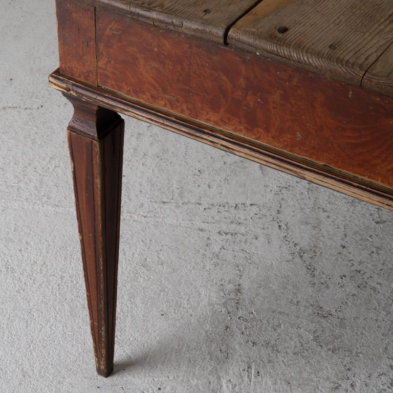 Table Swedish Gustavian 18th Century Original Paint Sweden In Good Condition For Sale In New York, NY