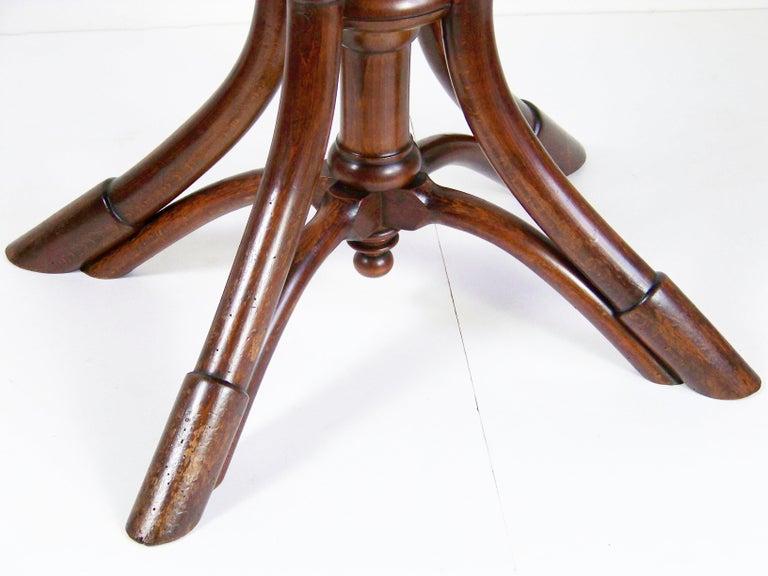 Art Nouveau Table Thonet Nr.56, circa 1885