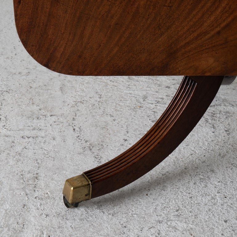 Wood Table Tilt-Top English Mahogany, 18th Century For Sale